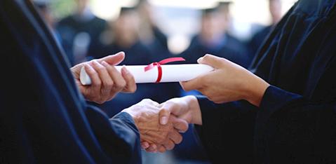 Get Undergraduate International Scholarships For Pakistani Nationals